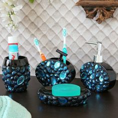 #Bathroom sets that adorn your bathroom #decor.