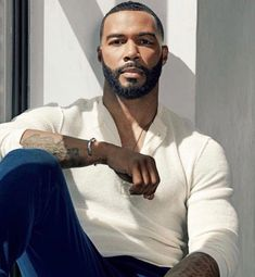 Omari Hardwick is one of the very famous and most trending personality now-a-days in different social medias and on Internet as well. Fine Black Men, Gorgeous Black Men, Handsome Black Men, Fine Men, Beautiful Men, Beautiful People, Black Man, Attractive Men, Avan Jogia