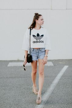 + x adidas Graphic Tee Style, Graphic Tees, Chanel Boy Bag, Casual Looks, Urban Outfitters, Hipster, Street Style, Adidas, Crystals