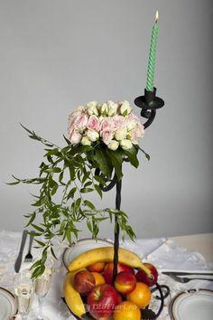 Aranjament de masa disponibil pe 123flori.ro Plants, Plant, Planets