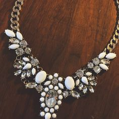 J. Crew Style Statement Necklace The J. Crew style without the cost!! A 5⭐️ Rated necklace! Brushed metal chain. So adorable and great quality!! NOT CREW LF Jewelry Necklaces