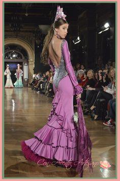 Vestido flamenca con glitter de Esther Cabello y Ana Rodríguez  We Love Flamenco 2015