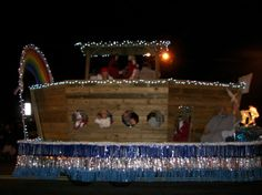 Picture Christmas Parade Float | Knoxville Christmas Parade: The Top Five Most Unorthodox Floats ...
