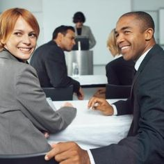 Do you speak English?  Mehrere Fremdsprachen zu beherrschen ist in vielen Unternehmen die einzige Chance, um überhaupt zu einem Job zu kommen. Ein Job, Human Resources, Career, Social Media, Personal Care, Language, Things To Do, Tips, Carrera