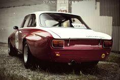 1968 alfa romeo gta 1300 junior racecar . .