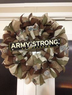Army strong wreath designed by Ronda Cromeens. Large. 45$