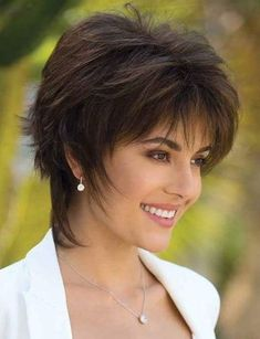 50 Latest Short Haircuts for 2019 - Get Your Hairstyle Inspiration for Summer - With Hairstyle frisuren frauen frisuren männer hair hair styles hair women Short Choppy Haircuts, Latest Short Haircuts, Shaggy Short Hair, Short Shag Hairstyles, Cool Hairstyles, 2018 Haircuts, Cool Haircuts, Formal Hairstyles, Short Hair With Layers