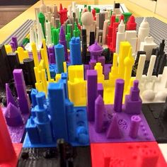 The #Grade3 students who made these #3dprinted cities in Morphi are 8-9 yrs old and had never used a 3d modeling program before.