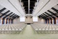Industrialna sala w Hotelu Andel's w Łodzi o powierzchni blisko 1000m2 świetnie nadaje się na np. prezentację dla branży motoryzacyjnej.  http://www.confero.pl/konferencje/andels-hotel-lodz,2350  #salekonferencyjnelodz #konferencjelodz #konferencje #salekonferencyjne #salekonferencyjnewcentrumpolski