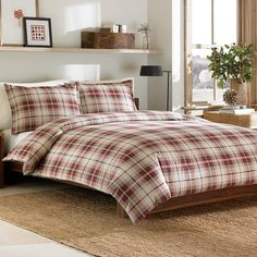 The Montlake Plaid flannel mini duvet cover set by Eddie Bauer is a comfortable classic. Wonderfully soft and stylish, the Montlake Plaid flannel mini duvet cover set creates a classic tailored look for the bedroom. Comforter Sets, Duvet Sets, Flannel Duvet, Flannel Duvet Cover, Duvet, Home Decor, Duvet Covers, Bedding Sets, Plaid Comforter