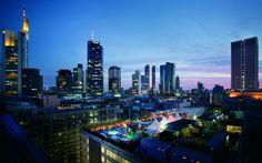 Spektakulärer Blick über die Skyline Frankfurts.