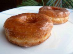 """Esta semana pasada se convocó una quedada virtual para hacer donuts, cada una en su casa, a través de un grupo de facebook. El evento: la """"donutskedada"""". …"""