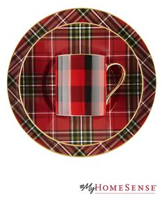 Mad for plaid, even in the kitchen. #MyHomeSense // C'est la folie du tartan…