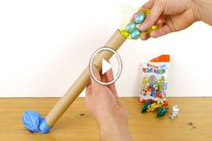 Fog egy üres papírtörlő gurigát és egy lufit, majd elkészíti belőle a világ legszebb Húsvéti dolgát! Ezt neked is ki kell próbálnod! (videó)