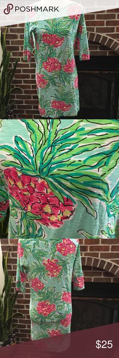 Lilly Pulitzer Dress Simple dress with floral print. Beautiful summer colors. Size S. It's my friend daughter. She is now size XS  and this dress is too big for her. Good condition. Lilly Pulitzer Dresses