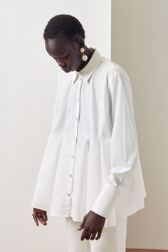 Kowtow Pages Shirt - White on Garmentory Fashion Line, White Fashion, Fashion 2017, Look Fashion, Hijab Fashion, New Fashion, Womens Fashion, Fashion Design, Ethical Fashion