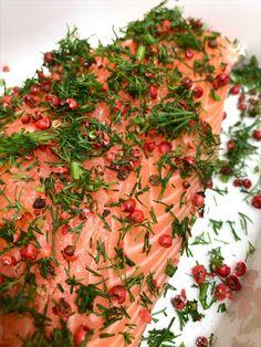 Aux Bulles Weihnachtsrezepte - Saumon Gravlax / Gebeizter Lachs Food, Bubbles, New Recipes, Christmas Time, Food And Drinks, Essen, Meals, Yemek, Eten