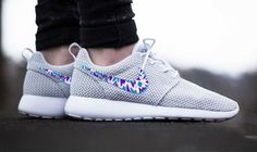 Womens Custom Nike Roshe Run sneakers, triangles, purple, pink, teal, blue trendy design, platinum white metallic nike roshe