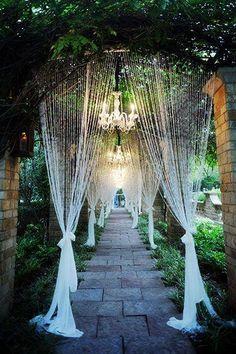 Małe dodatki weselne, a tak cieszą! Zobacz nasze propozycje na tanie dekoracje ślubne