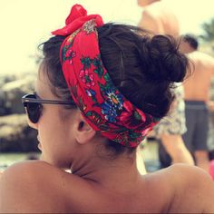 Don't know how to do your hair for the day? Make it an instant trend my adding a perfect head wrap