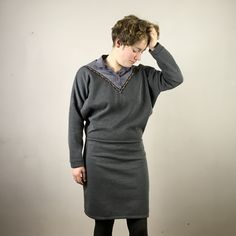 Ich bin ein Upcyclingprodukt. Sweat. Falscher Kragen. Azteken. Boho. TETZLOVEDESIGN Upcycling Fashion, Upcycle, High Neck Dress, Fashion Design, Dresses, Fashion Styles, Grey, Turtleneck Dress, Vestidos