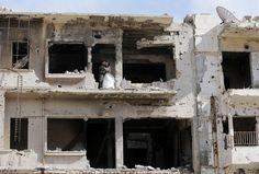 Sírios fazem álbum do casamento nas ruínas de Homs - Stefany