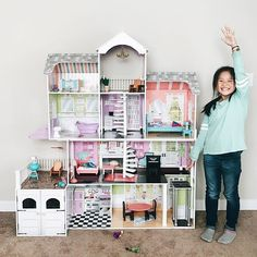 The KidKraft Grand Estate Dollhouse Is A Towering, Five Foot Tall Mansion  With Four Levels, Eight Rooms And Two Balconies.