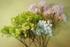 花かんむりの作り方。 : 花屋「ニコグサ」やってます。 Glass Vase, Flowers, Plants, Home Decor, Decoration Home, Room Decor, Plant, Royal Icing Flowers, Home Interior Design