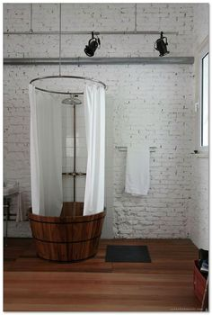 Small Bathtub Ideas - Do not hesitate of huge pieces in a small restroom. A giant mirror over a bathtub develops the impression of a bigger area. Run tile from the bathroom flooring straight into the shower delay. It makes the room feel bigger. Tiny House Bathtub, Small Bathtub, Small Bathroom, Downstairs Bathroom, Bad Inspiration, Bathroom Inspiration, Interior And Exterior, Interior Design, Interior Ideas