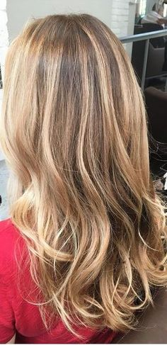 pretty beige and honey blonde highlights