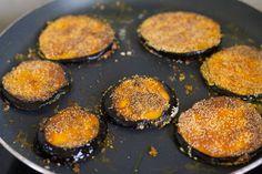 Begun Bhaja or Baingan Bhaja - recipe with step by step photos and instructions. Aubergines are referred to as begun/baingan/vangi in India. Puri Recipes, Yummy Recipes, Keto Recipes, Vegetarian Recipes, Recipies, Snack Recipes, Cooking Recipes, Yummy Food, Indian Foods
