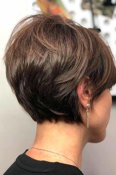 Pixie Bob Haircut, Pixie Haircut For Thick Hair, Short Hairstyles For Thick Hair, Haircuts For Fine Hair, Short Hair With Layers, Short Hair Cuts For Women, Curly Hair Styles, Pixie Bob Hairstyles, Short Pixie Bob