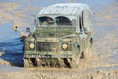 Did I mention I love landrovers : Photo Defender 110, Land Rover Defender, Off Road Moto, Adventure Car, Best 4x4, British Armed Forces, Range Rover Classic, Bushcraft, Land Cruiser