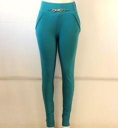 un lindo #legging en #azul con #placa #dorada en #cintura