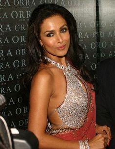 Here view Malaika Arora Khan in saree blouses designs.Get malaika arora in designer sarees.Get most expensive saree blouse design wearing malaika arora khan for more bollywood designer sarees visit http://fashion1in1.com/asian-clothing/malaika-arora-in-saree-blouses-designs/