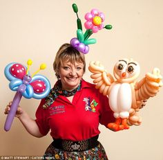 Christine comes from an artistic background, having been a cake decorator for 20 years before turning her hand to balloon modelling