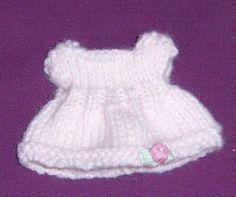 TRICOTS pour Sylvanians, explications des modèles saison hiver 2012/2013/ et années suivantes - Page 3 Minis, Patron Crochet, Sylvanian Families, Image Sharing, More Photos, 2013, Beanie, Miniatures, Dolls