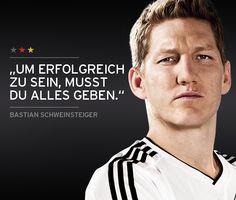 DFB - Die Nationalmannschaft • Das Team - Mittelfeld - Bastian Schweinsteiger