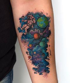 Top Astronaut Tattoo Designs Ideas of 2019 – Goosetattoo Astronaut Tattoo, Forearm Tattoos, Body Art Tattoos, Sleeve Tattoos, Tattoo Sketches, Tattoo Drawings, Tattoo Ink, Physics Tattoos, Dibujos Tattoo