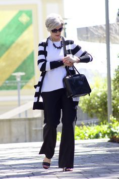 Affordable Fashion Outfit Tips For Women Over Fifty! An Update On No-Hassle Programs Of Finding Clothes For Women Over 50 - Fashion You Over 60 Fashion, Mature Fashion, Over 50 Womens Fashion, 50 Fashion, Fashion Looks, Lolita Fashion, Older Women Fashion, Korean Fashion, Style Fashion