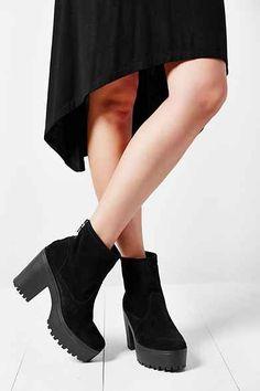 Shellys London Meagan Platform Heel Boot urbanoutfitter  fashion