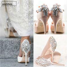 Badgley Mischka'nın topukları taşlı bu harika koleksiyonundan ilham alarak siz de hem düğününüze, hem de hayatınıza biraz parıltı katmaya ne dersiniz? 🌟 Wedding, Shoes, Fashion, Valentines Day Weddings, Moda, Zapatos, Shoes Outlet, Fashion Styles, Shoe