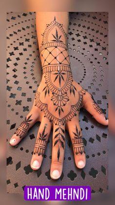 Henna Arm Tattoo, Cute Henna Tattoos, Wrist Henna, Henna Tattoo Designs Simple, Foot Henna, Mandala Tattoo Design, Easy Tattoos, Henna Body Art, Henna Designs Arm