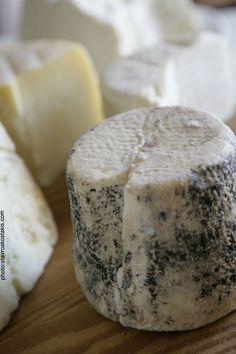 Ελληνικά τυριά | newwinesofgreece.com  Greek cheese - Kaseri, Graviera, Manouri, Methovone spicy, Ladotiri matured in olive oil.