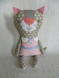 CUte! I would make the nose smaller though.
