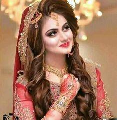 28 Best Bridal Hairstyles For Mehndi Barat Walima Images Wedding