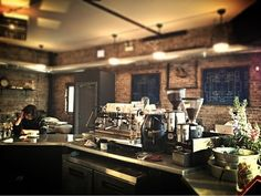 The 5 Best Coffee Shops for Freelancers: Chicago Edition | The Freelancer, by Contently