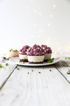... raw passionfruit cupcakes with pink dragon fruit frosting ...