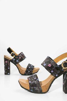 4c855e4187d3b4 Wide-heeled black platform sandals. Boho Shoes