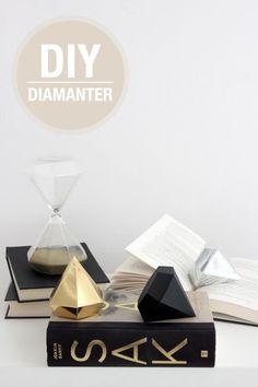 Fold dine egne DIY-diamanter af lækkert pap. Vælg nogle flotte toner, fx guld, sølv og sort. Print derefter...
